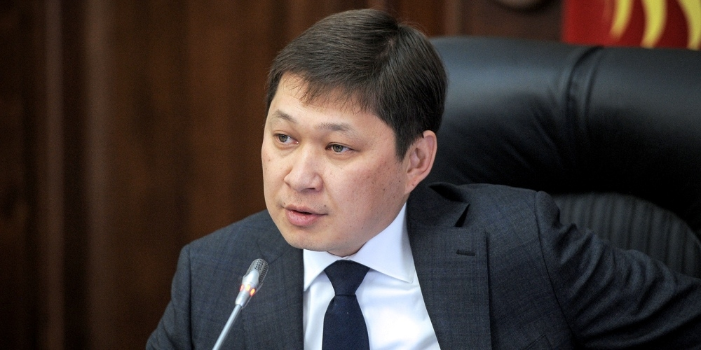 Киргиз Улс экс Ерөнхий сайдаа баривчиллаа