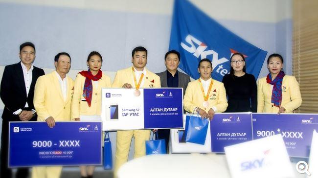 Паралимпийн тамирчид дараагийн олимп хүртэл монголдоо хүссэнээрээ ярина