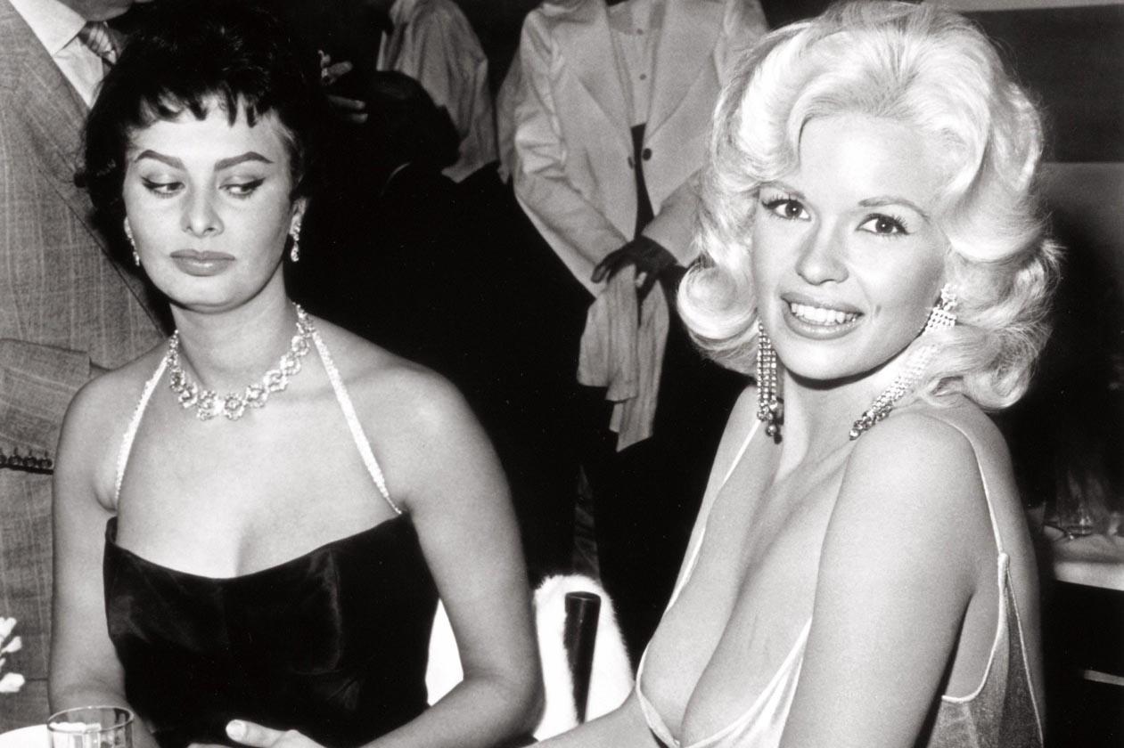 Софи Лоренд таагүй дурсамж үлдээсэн гэрэл зураг